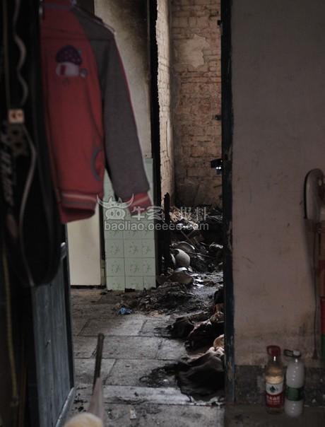 广州15岁女初中生掐死奶奶纵火烧屋 新春一大惨剧