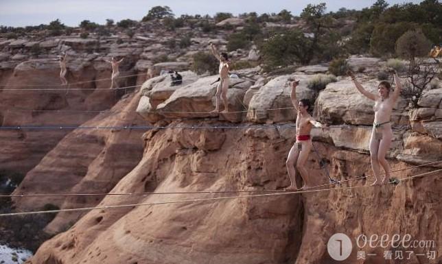 真人裸体下体_冒险家裸体高空走扁带 只给下体系安全带\