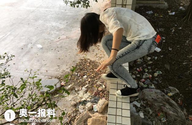深圳千余工人排队翻墙上下班长达2年 竟无人管