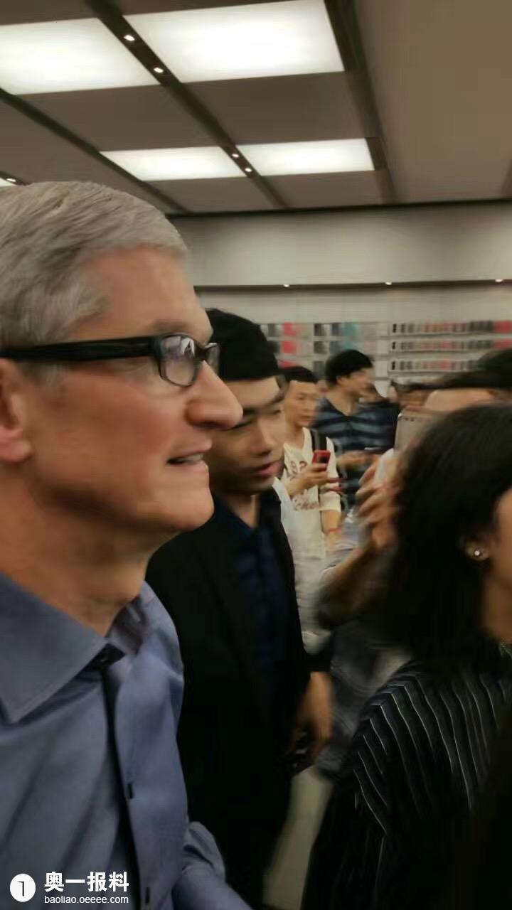 遇到库克到访深圳益田广场假日手机店_报料_苹果为买苹果女子图片